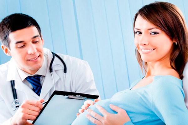 Беременная у доктора