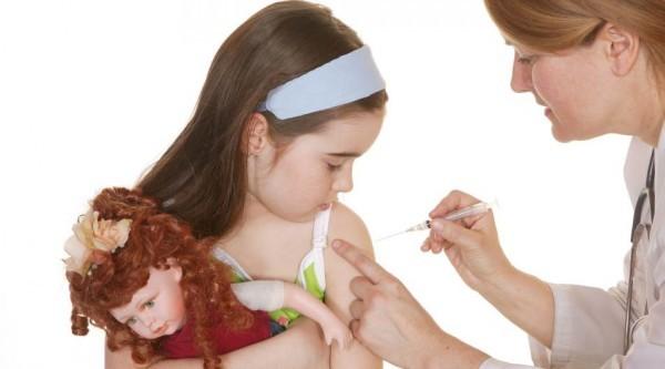 Прививка девочке