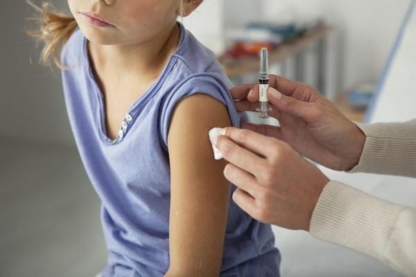 Прививка ребенку в плече