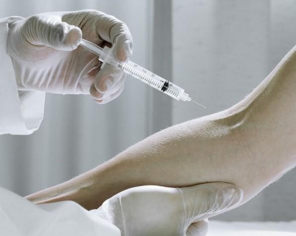 Прививка в руку