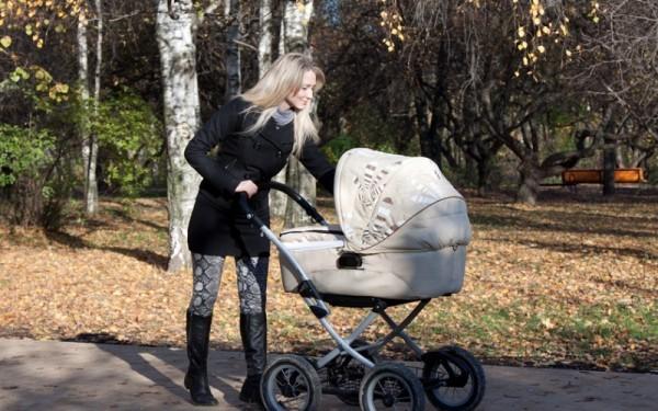 Прогулка с ребенком на коляске