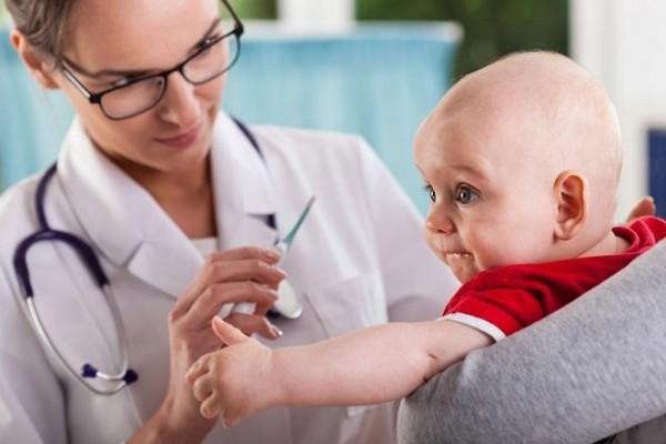 какие прививки положены ребенку до года